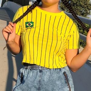Forever 21 cropped Brazil shirt size M